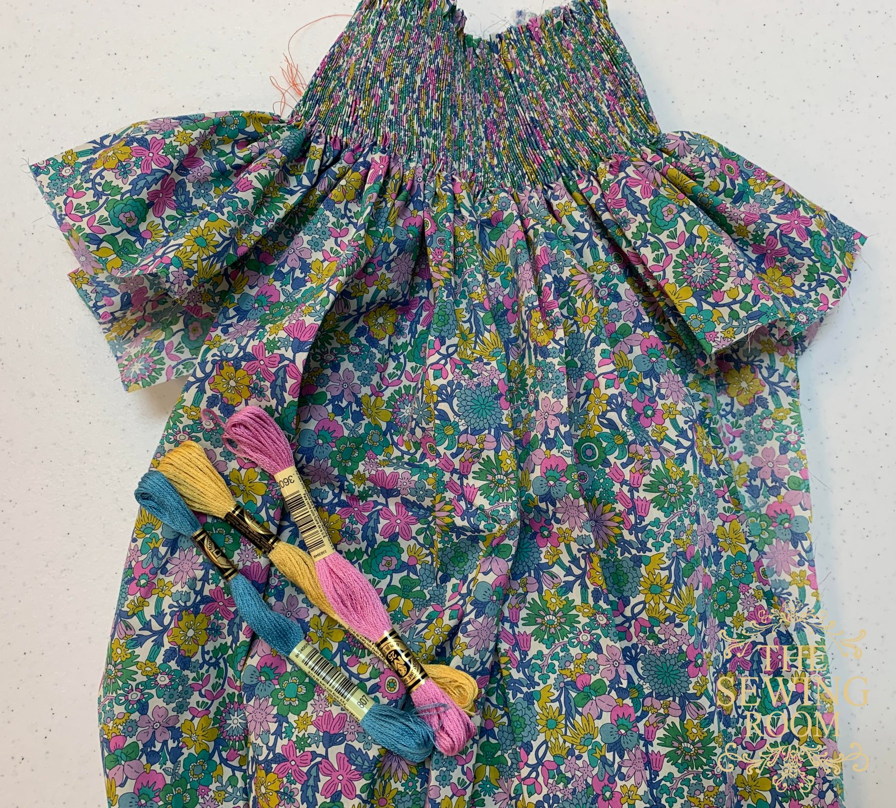 Ready to Smock Bishop w/o Construction - Liberty of London June Blossom C - Size 18m