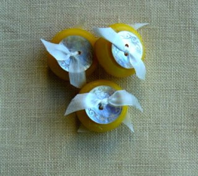 Beeswax Buttons