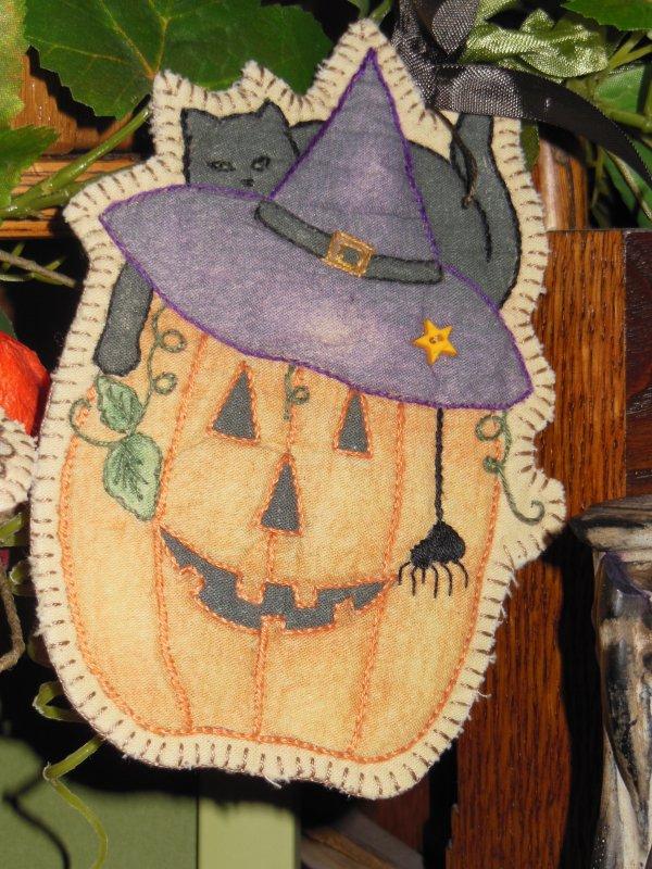 Pumpkin Kitty Embroidery Ornament
