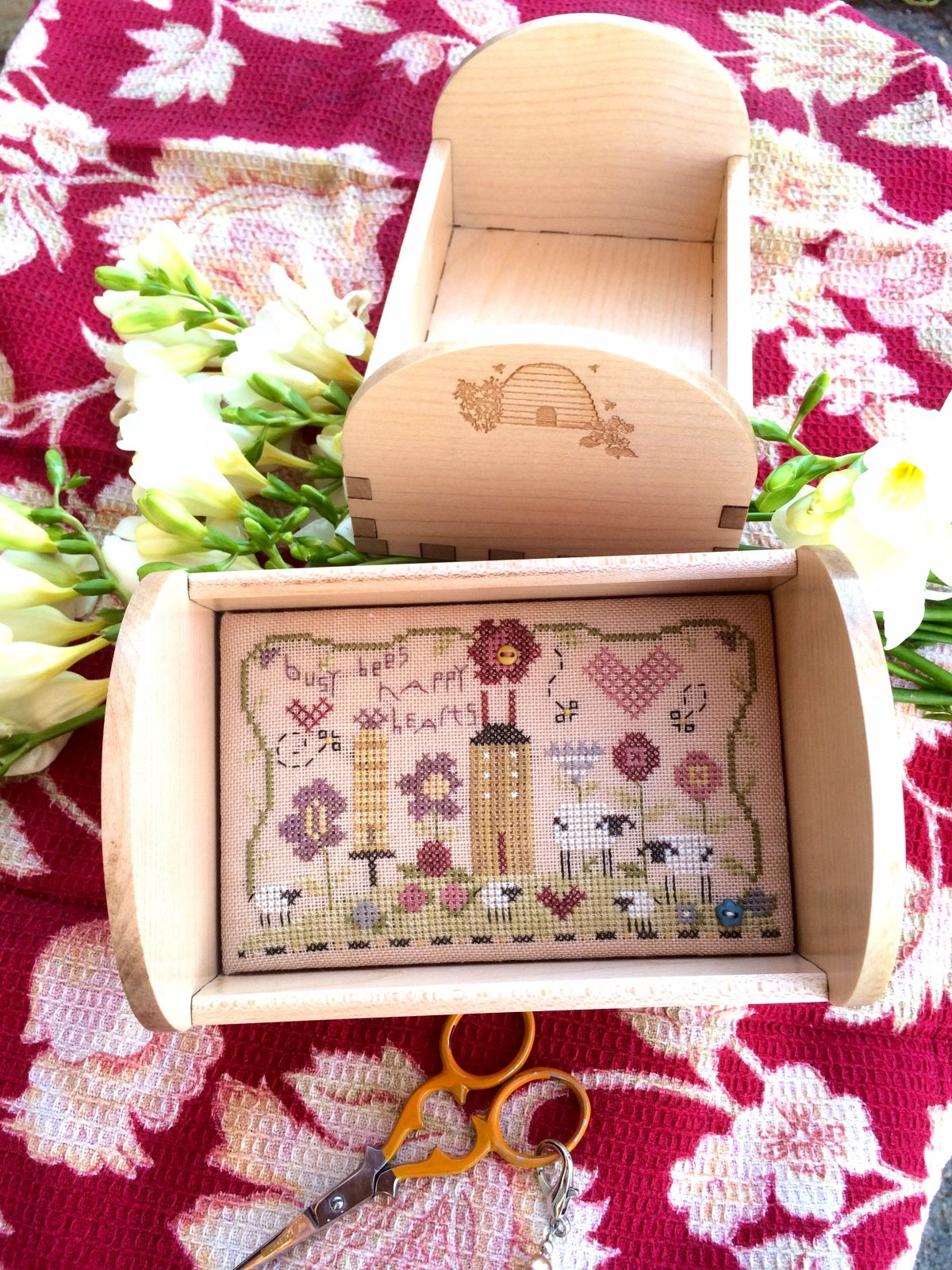 Busy Bees Tray