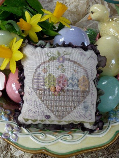 Little Eggs Pincushion Kit