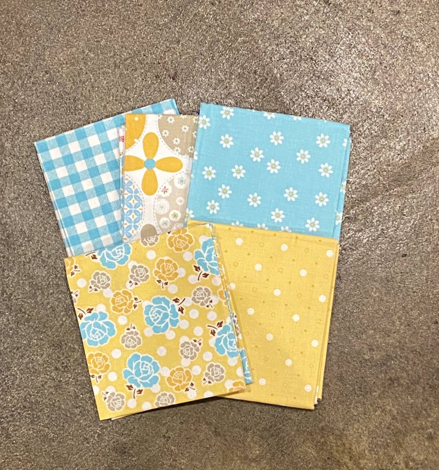 Polka Dot Stitches by Lori Holt - Fat Quarter Bundle - 5  Piece - Blue