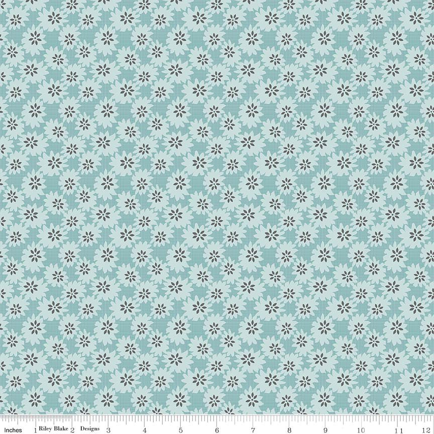 EOB - 27 - Linen and Lawn - Daisy - Blue
