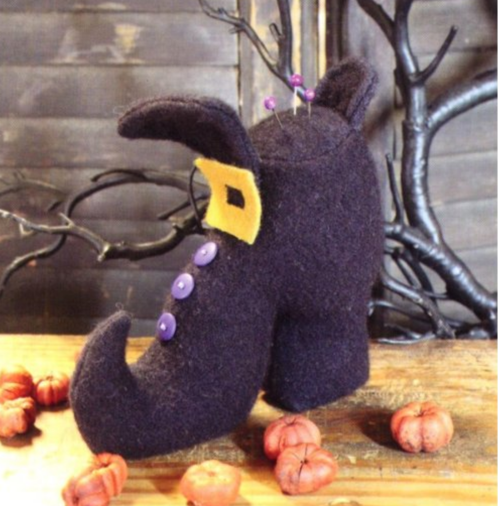 Witch Shoe Pin Keep Pattern-  5