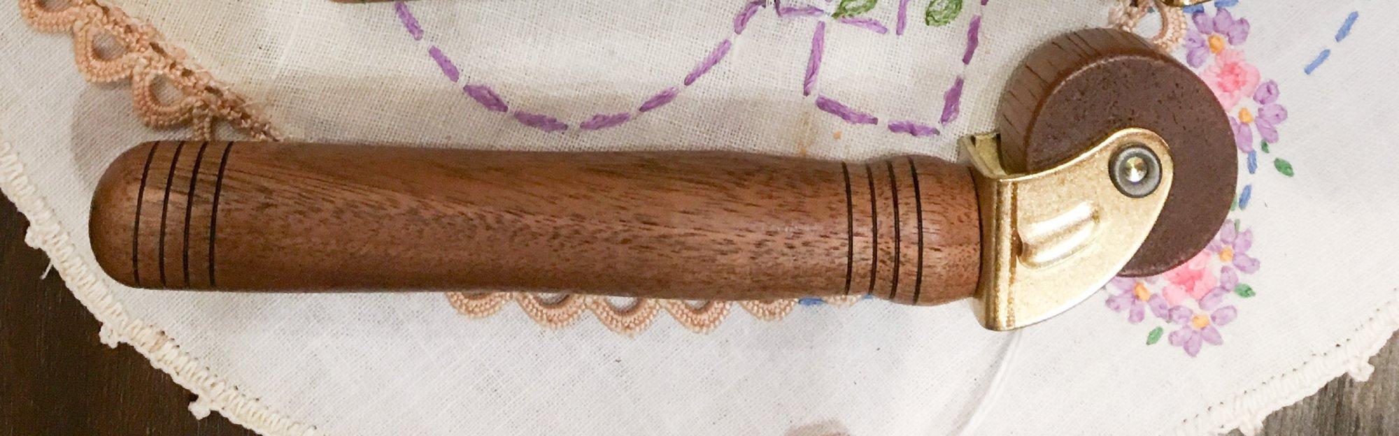 Wood Seam Roller - Hickory