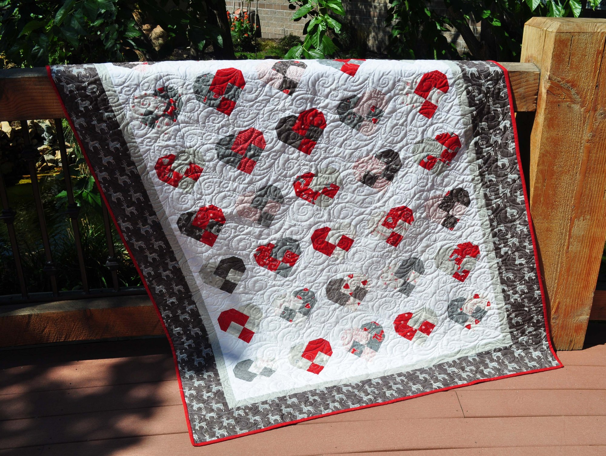 Sweetheart Christmas Quilt - 56 x 74