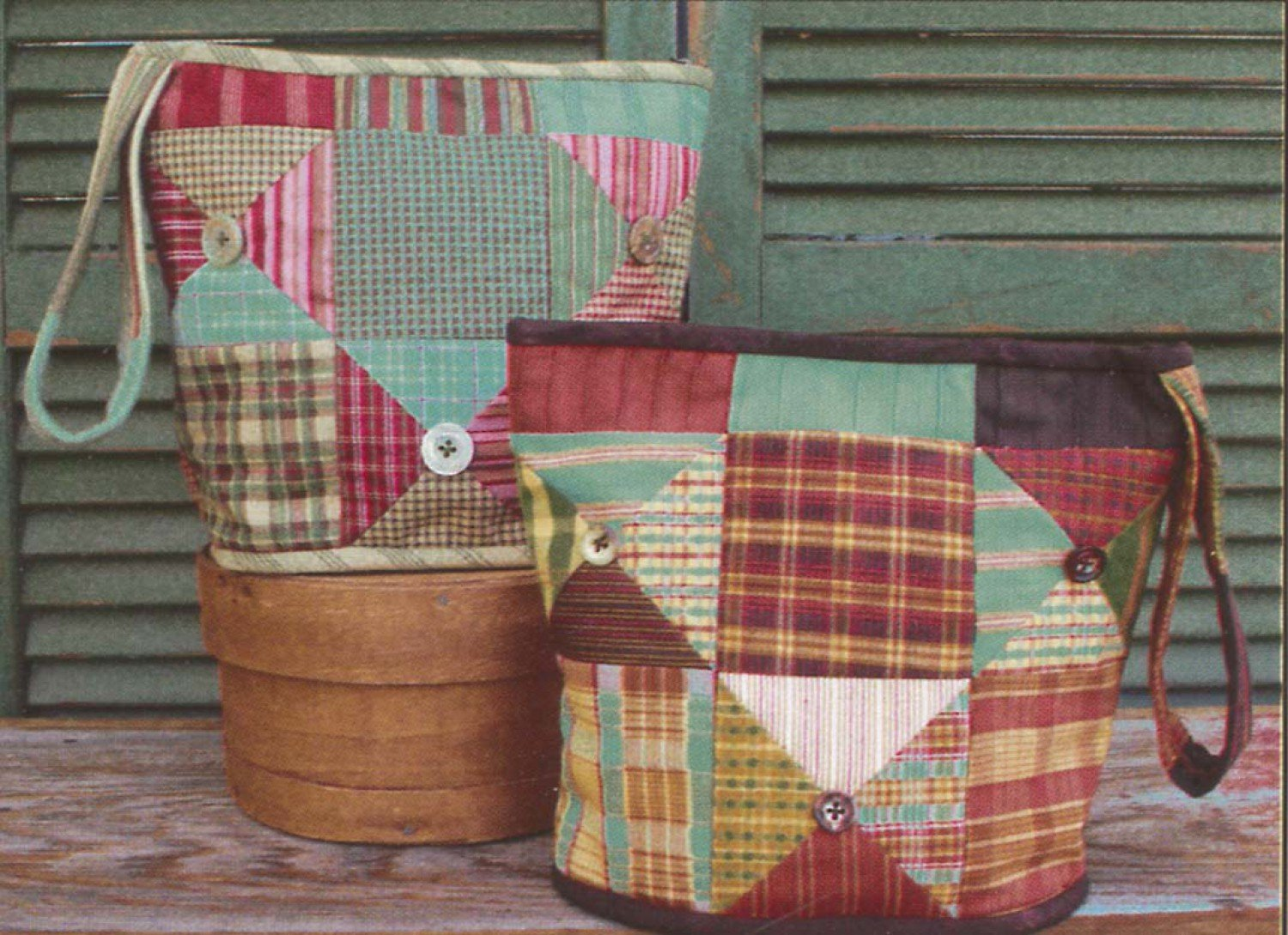 Little Scraps Button Bag by This & That 8 3/4 X 10 3/4