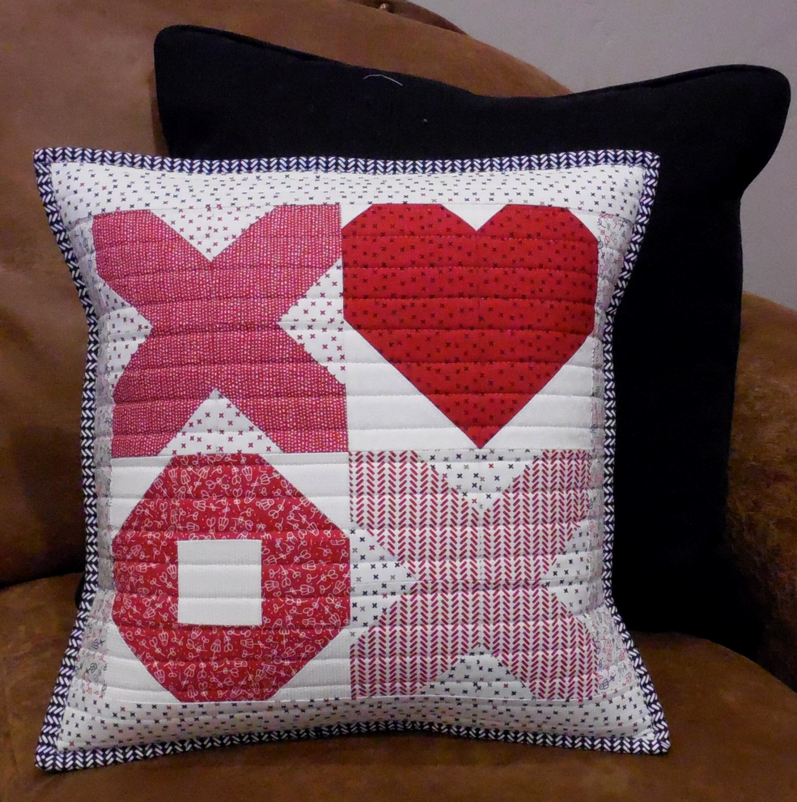 X's and O's Valentines Pillow Kit