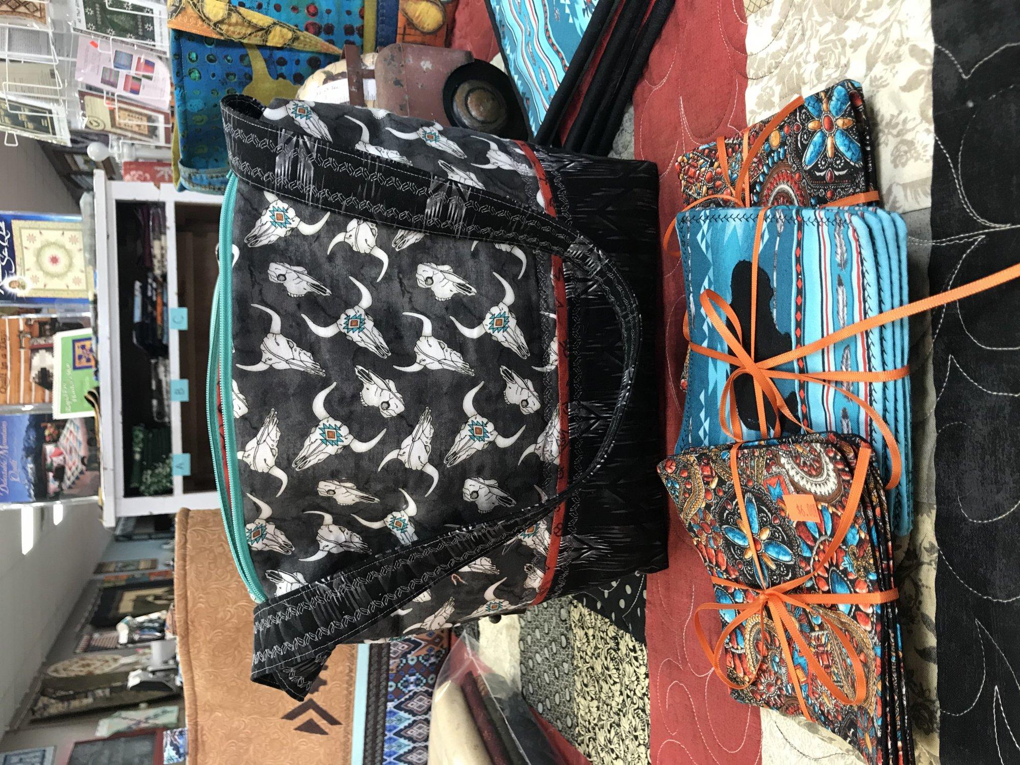 Longhorn Zippered Tote Bag
