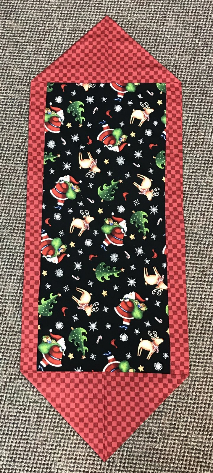 10-Minute 25 Days Til Christmas Table Runner 14.5 x 42