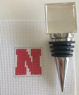 Bottle Stopper with Nebraska N