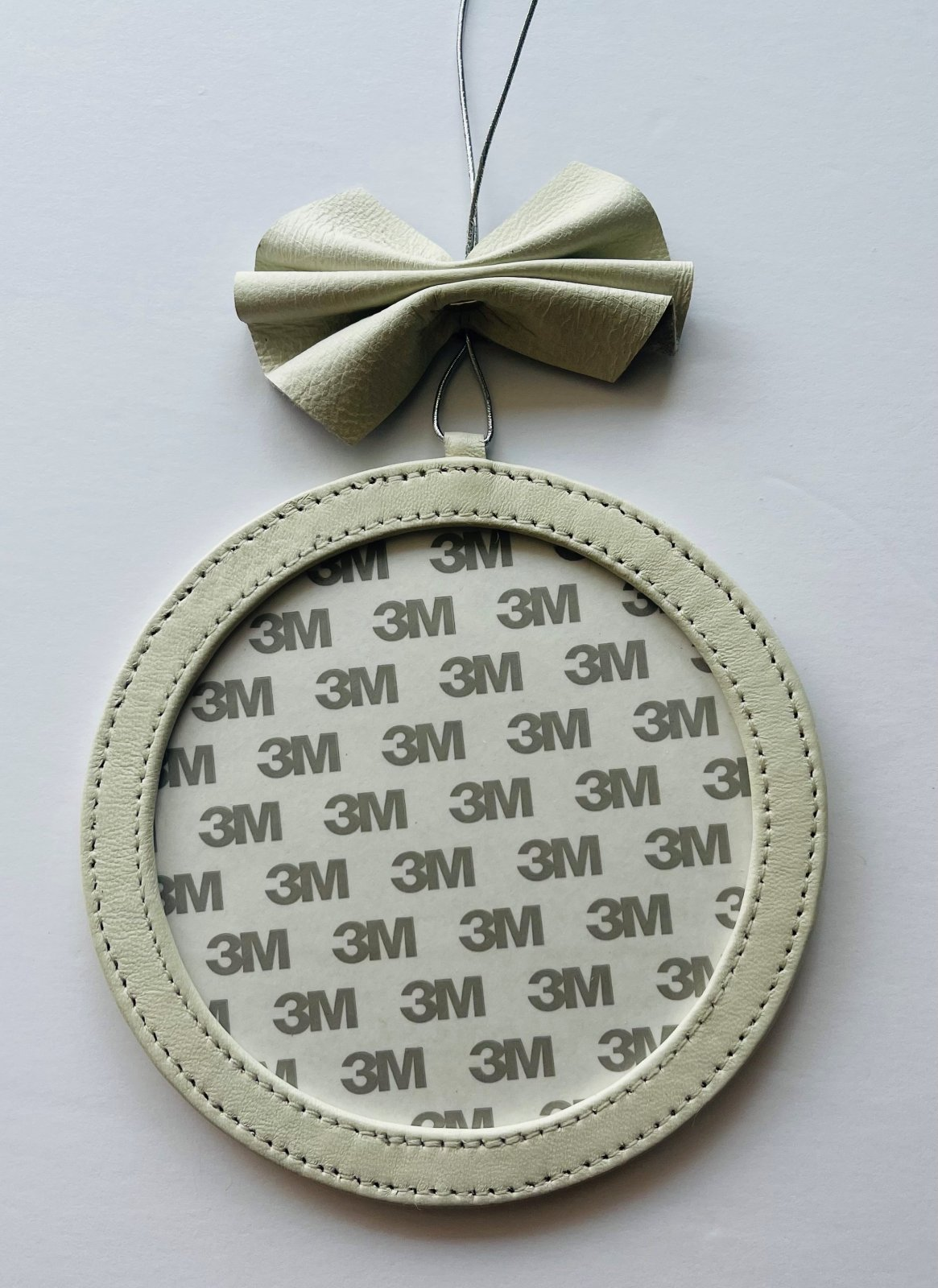 5 Round Holiday Ornament - White