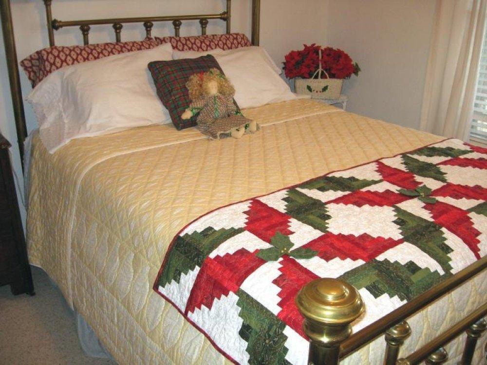 Poinsettia Bed Runner / Table Runner