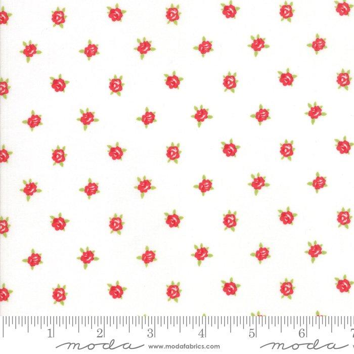Smitten by Bonnie and Camille - Floral - Cream - Moda 55178 17FQ - Fat Quarter