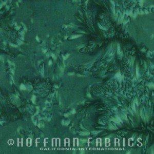 Hoffman Batik 1895-189 Christmas Green