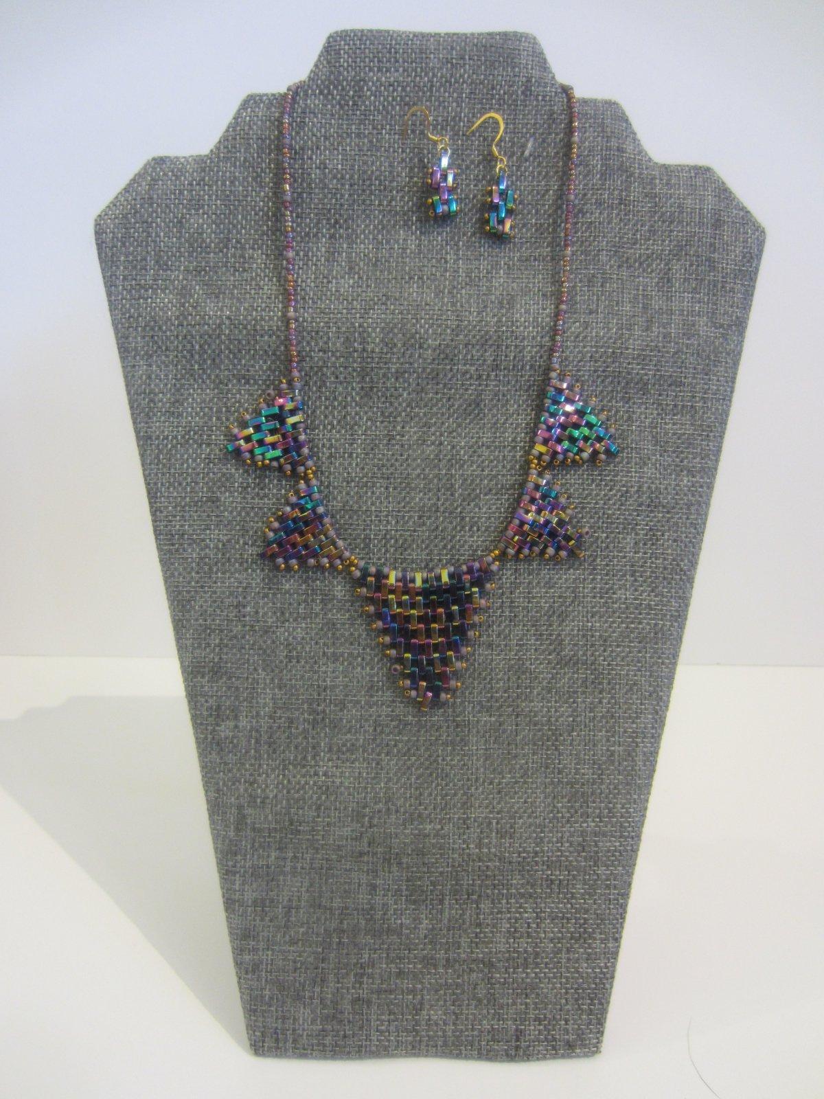 102 Metal w/ earrings