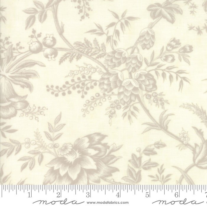 Moda: 108 Quilt Back, Snowberry Prints by 3 Sisters, 11126-11