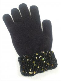 Accessorized Knit Glove