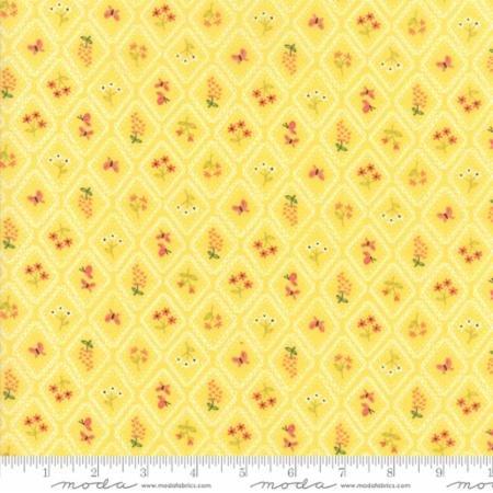 Home Sweet Home Garden Cameo Wallpaper Yellow