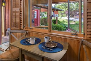 chocolate moose cottage room breakfast table