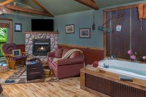 reel em inn tub and fireplace