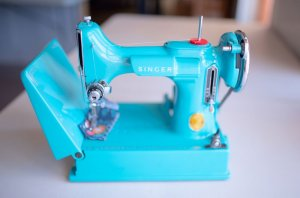 Singer Featherweight 221 painted bright blue front
