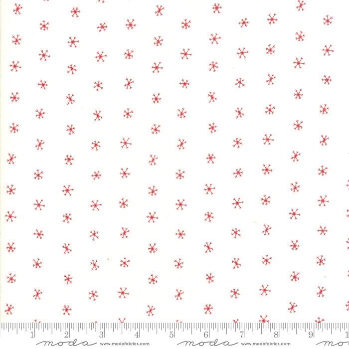 Merriment Snowflakes Snow Berry<br/>Gingiber / Moda 48275-21