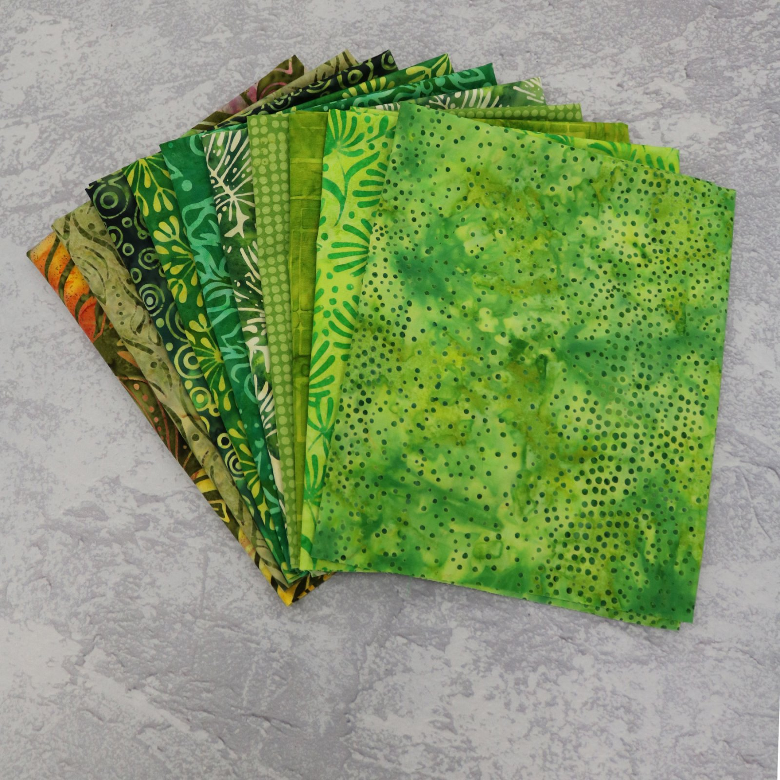 FQ Bundle Green Batiks<bk/>GSF House Mix