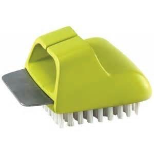 Charcoal Companion Himalyan Salt Plate Scrubber Brush