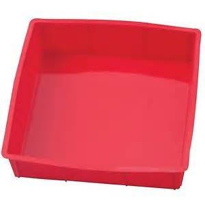 The Essentials silicone square cake pan 9x9