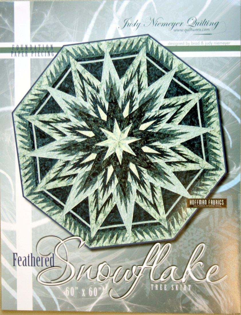 Quiltworx Judy Neimeyer Feathered Snowflake Tree Skirt