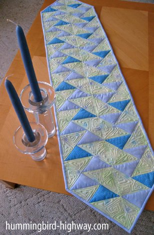Cut Loose Press Up One Side Table Runner CLPJFO102