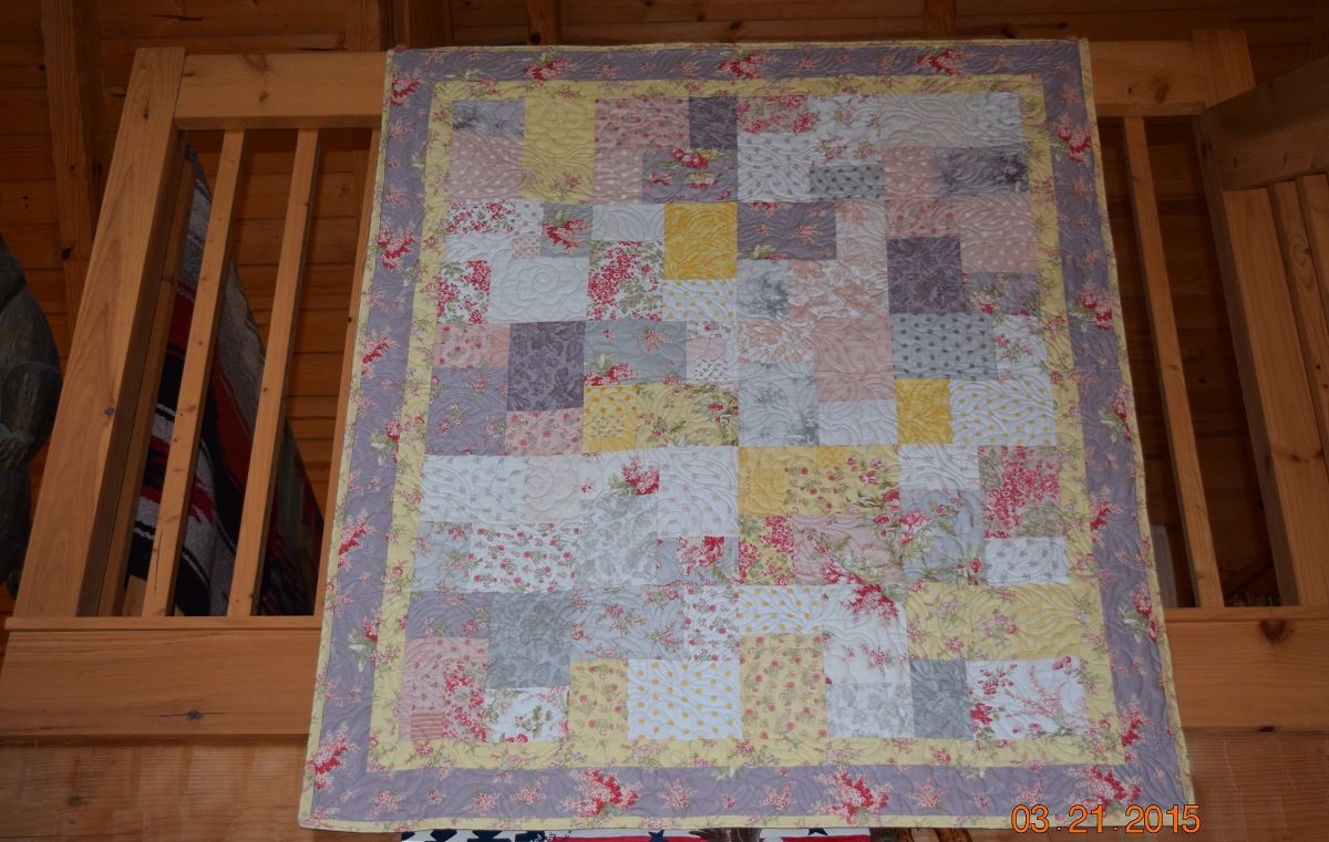 WHITEWASHED COTTAGE BABY QUILT WITH PURPLE BORDER 45 X 54