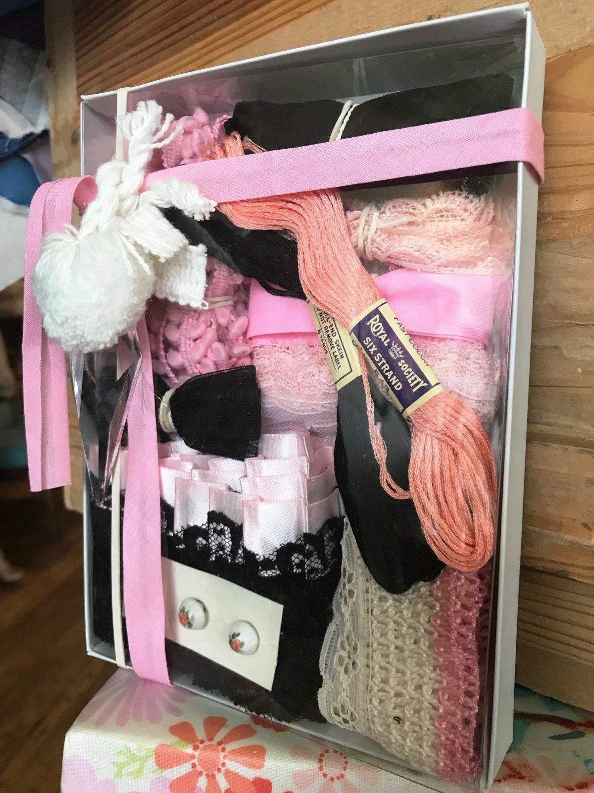 Vintage Kit Pink
