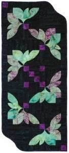 *Fan Flower Table Runner Pattern - SWD418FF