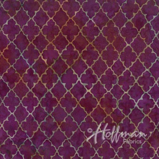 Hoffman Batik  Q2117-438 Crocus