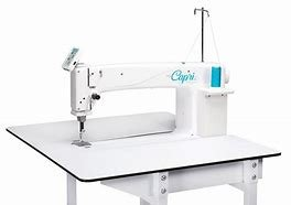 Handiquilter 18 Capri with Insight Table