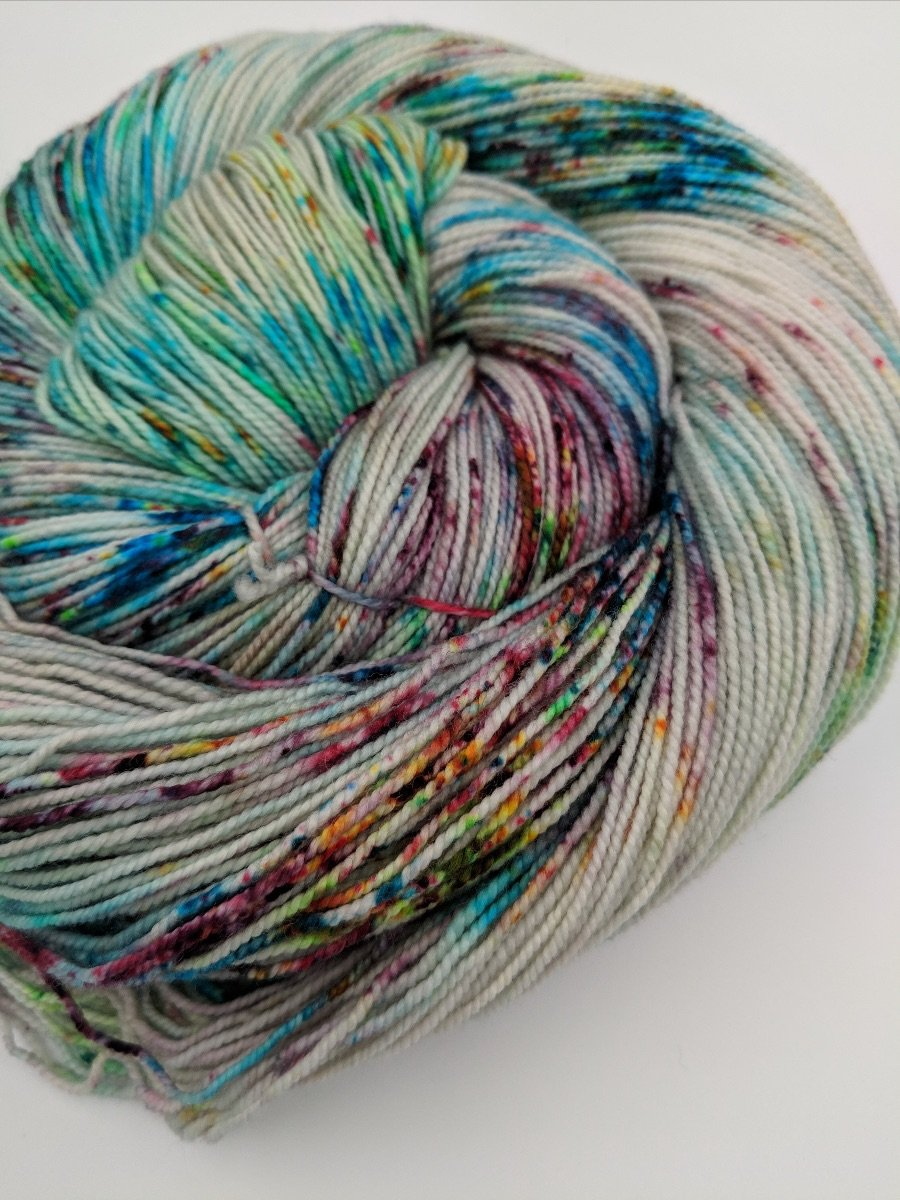 The Fiber Seed Yarn - Sprout Sock - Color of the Month Club - December 2018 - Festival Of Lights