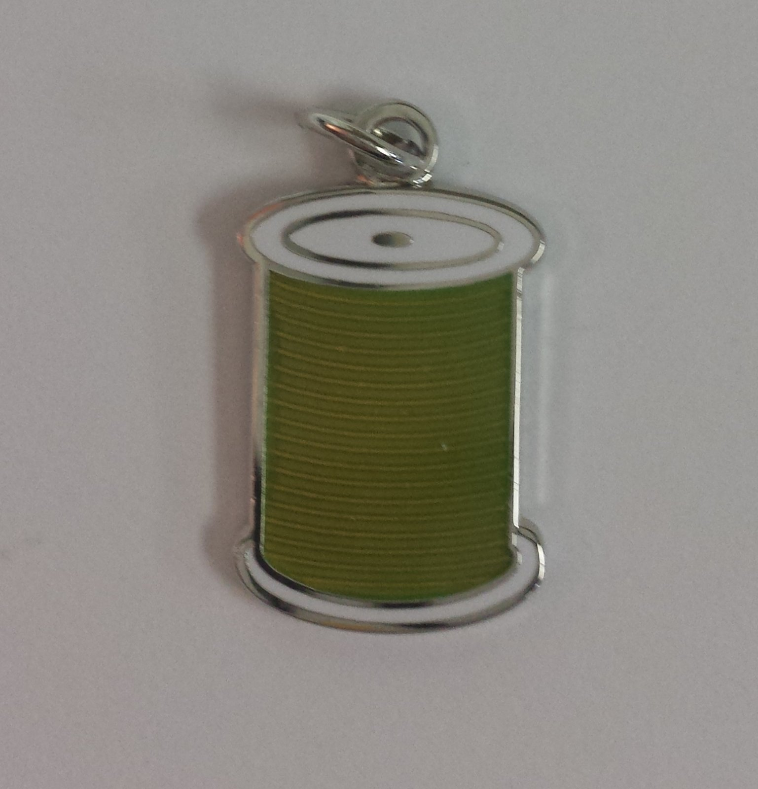 CHARM, THREAD SPOOL GREEN