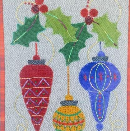 TT Holly & Ornaments Kit