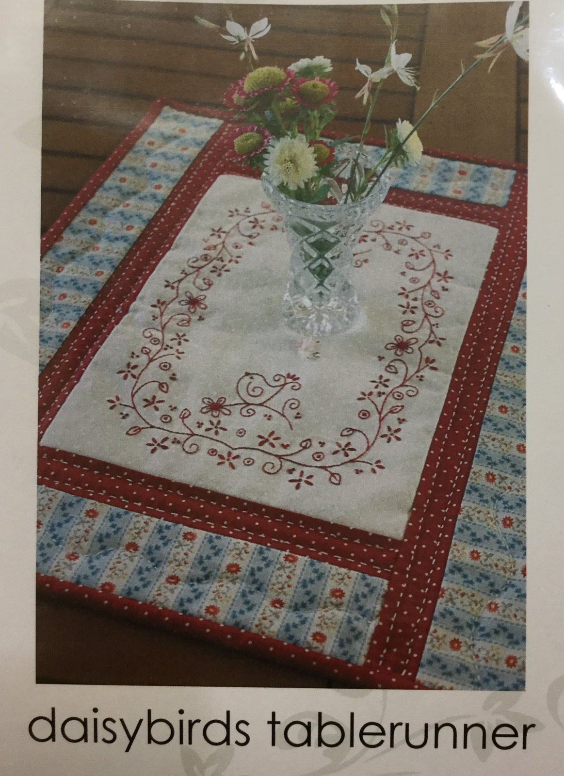 Daisybirds Tablerunner by Gail Pan
