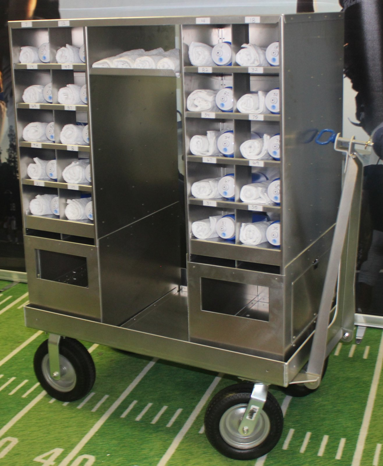 Cubby Cart, 40 cubbies w/ 2 soiled towel bins