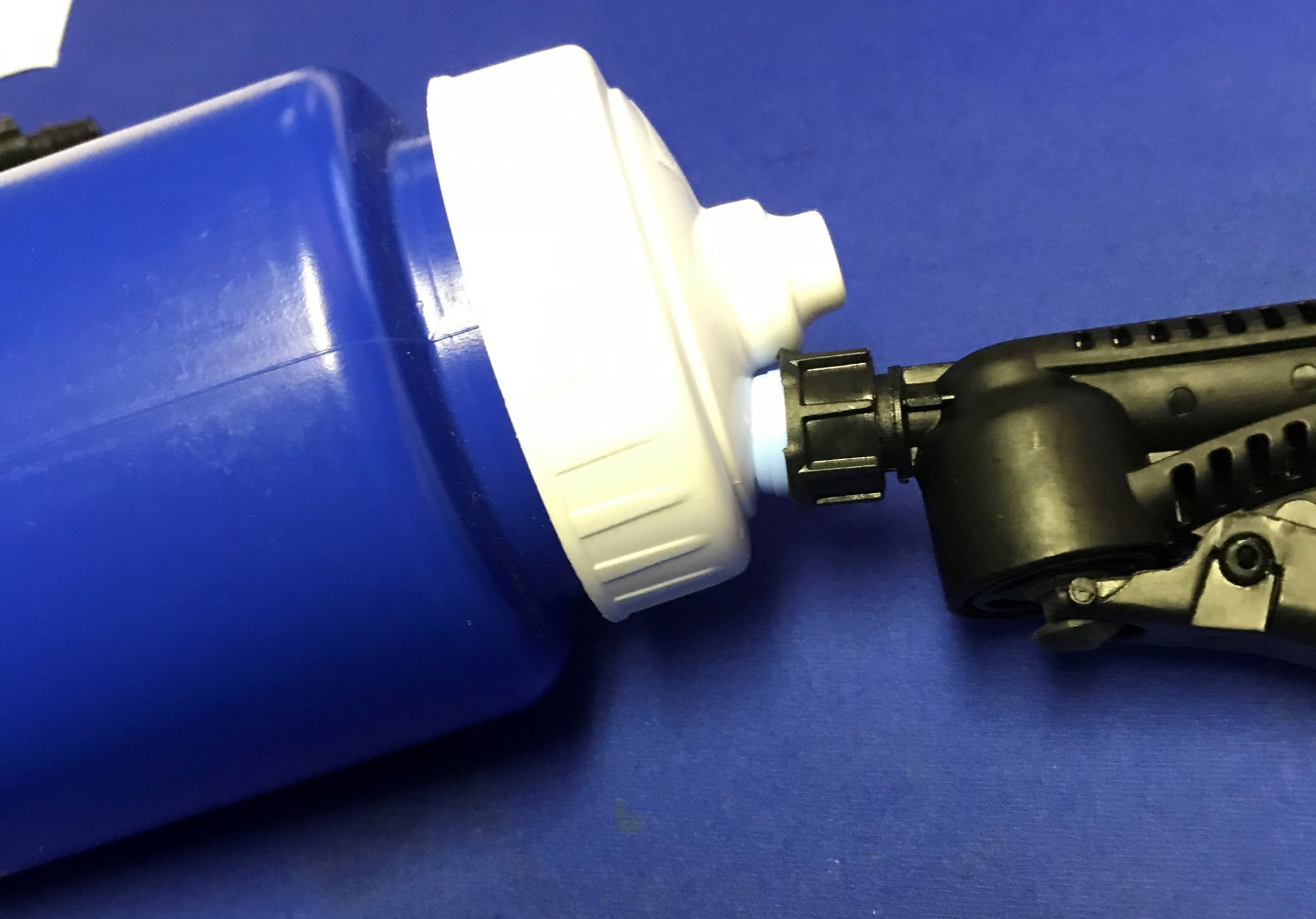 Through-the-Lid Filling Nozzle