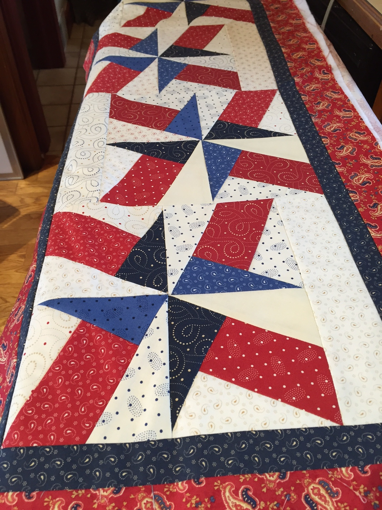 Awe Inspiring Fireworks A Patriotic Table Runner Home Interior And Landscaping Eliaenasavecom