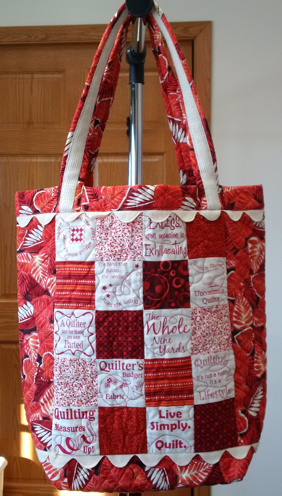 Ultimate Quilt Show Tote Bag - Red
