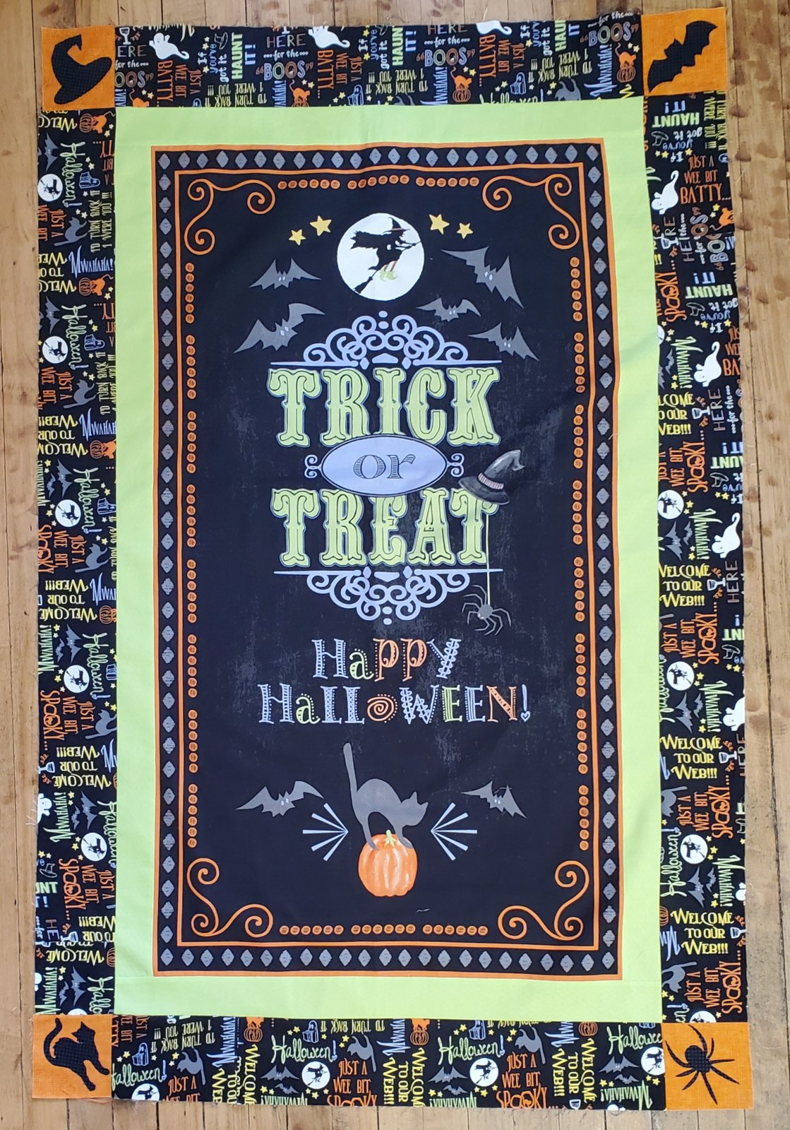 Welcome Halloween Wall Hanging Kit
