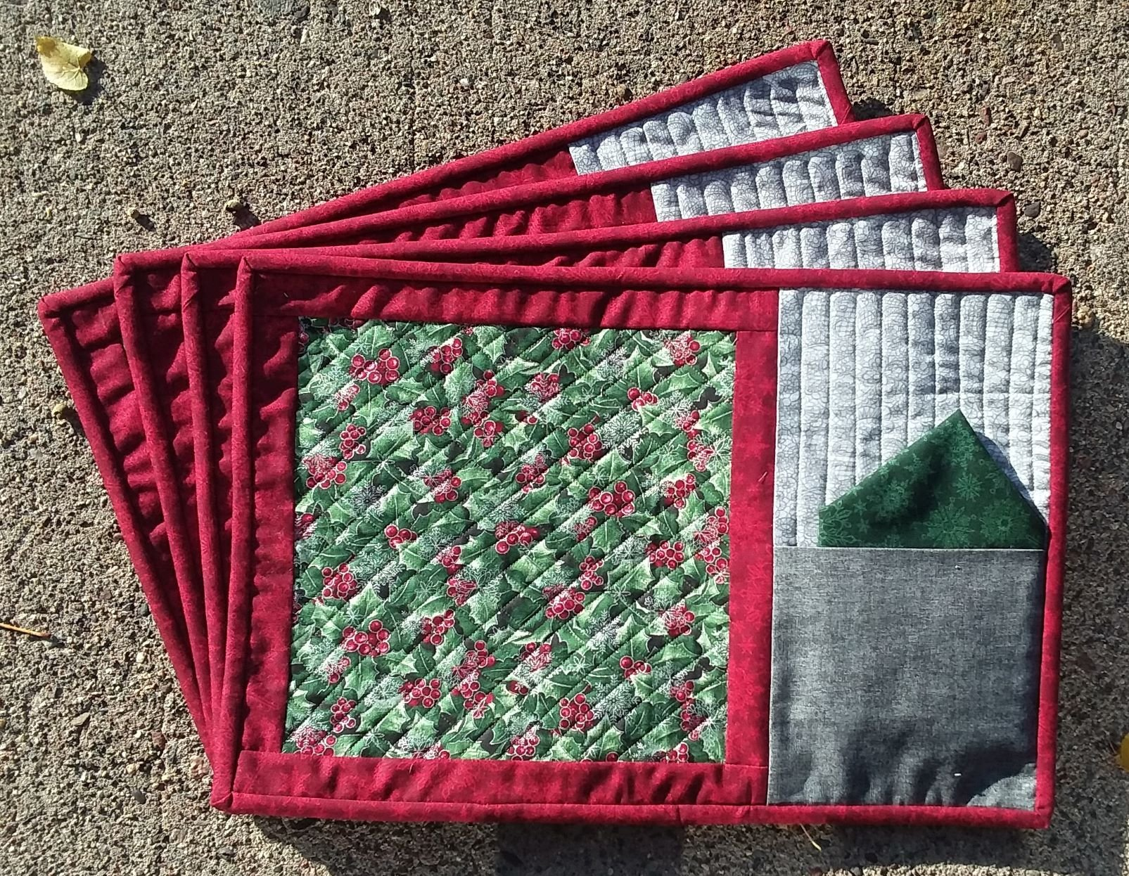 Holly Placemat Kit