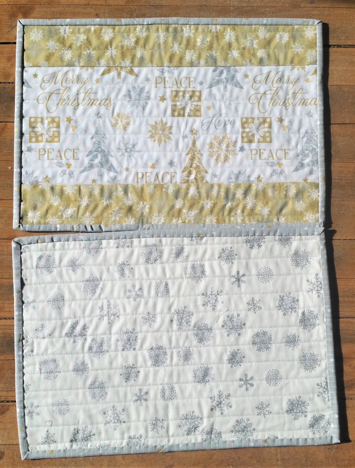Silver & Gold Reversible Placemats Kit