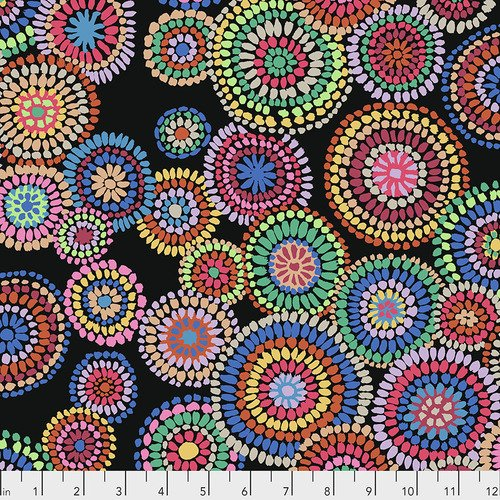 Kaffe Fassett Collective - PWGP176.BLACK Mosaic Circles - Black