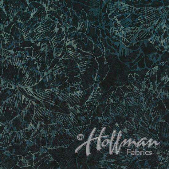 Hoffman Fabrics - Bali Batiks - Large Flower Blacklight - Q2145-537
